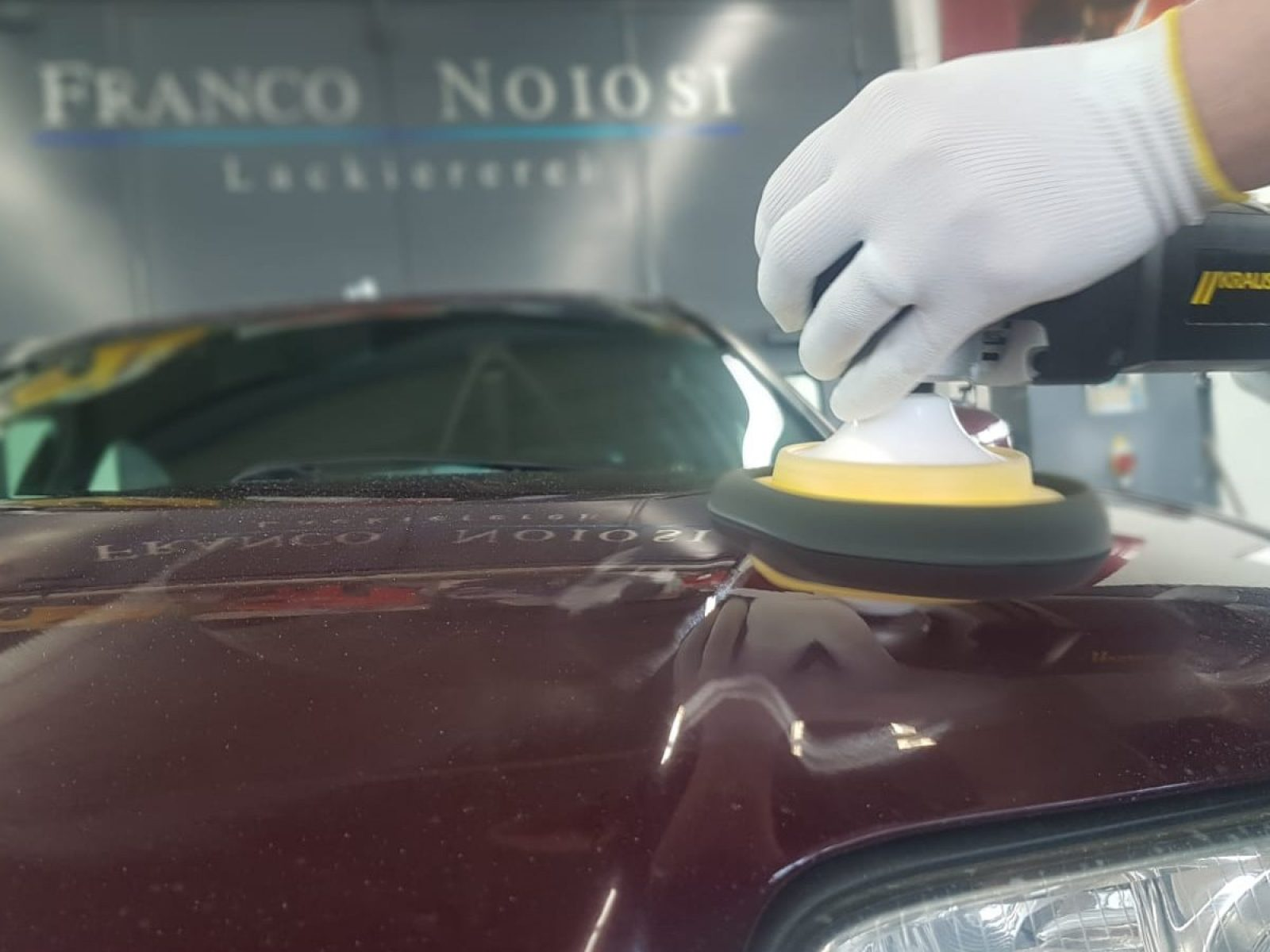 lackreinigung-lackpolitur-handwaesche-autoaufbereitung-lackiererei-noiosi-freiburg-gottenheim