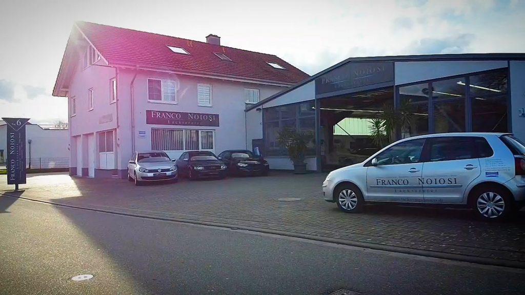 Auto-Lackiererei Noiosi in Freiburg-Gottenheim. Hier finden Sie die Zentrale für Lackierungen, Unfallreparatur, Smart-Repair, Glasschaden und Beulendoktor.